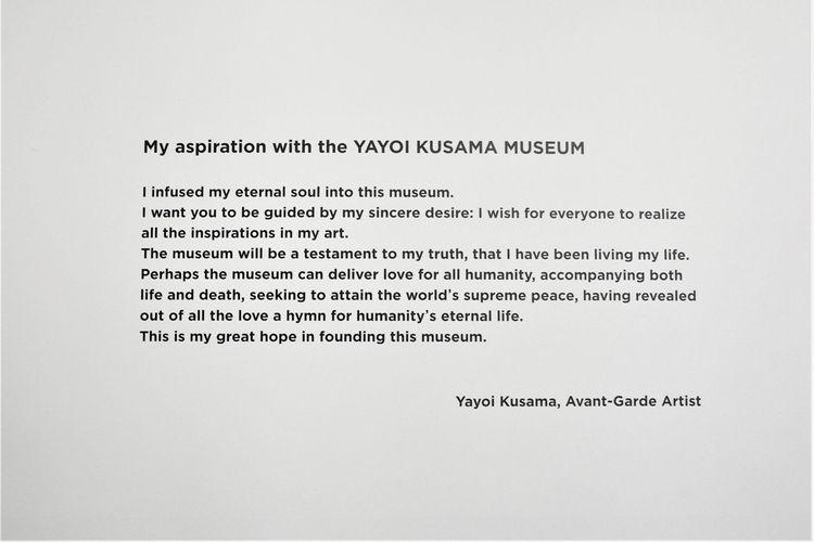 Kata pengantar dari Kusama bisa ditemukan di 1F Gallery