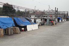 Tidak Jera Digusur Jadi Bagian Kisah Mereka yang Bertahan Hidup di Bangunan Liar Kanal Banjir Barat