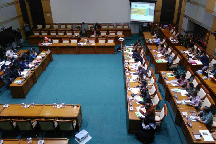 Rapat kerja (Raker) Komisi VIII dengan Kementerian Agama membahas soal RKAKL 2018, Jakarta, Kamis (14/9/2017).