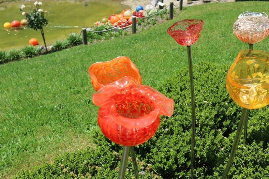 travel - Lava Glass Sculpture Garden, taman kaca, taupo, wisata selandia baru