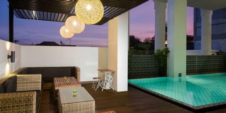 Fasilitas kolam renang yang ditawarkan Hotel Pesonna Tugu, Yogyakarta.