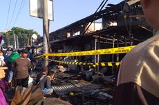 Percikan Korsleting Listrik Kena Petasan, Pasar Ujungberung Bandung Terbakar