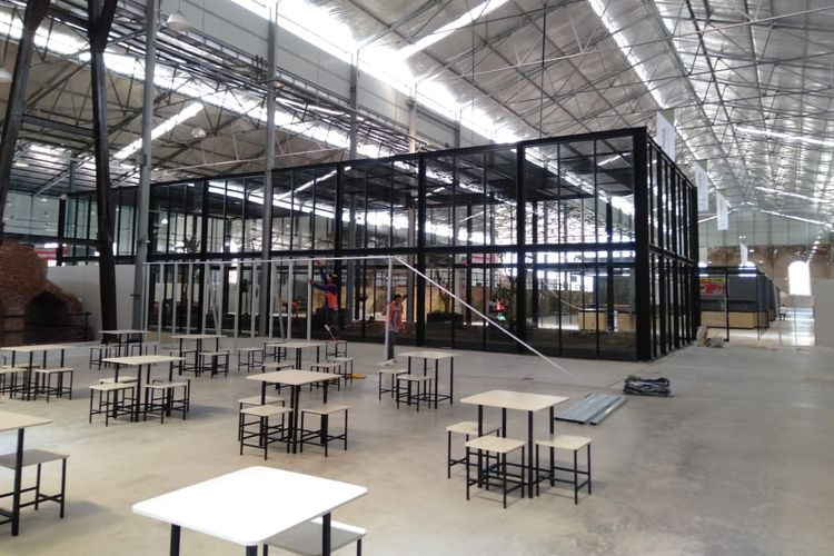 Seating Area & Bird Cage di Rest Area KM 260B Heritage-Banjaratma