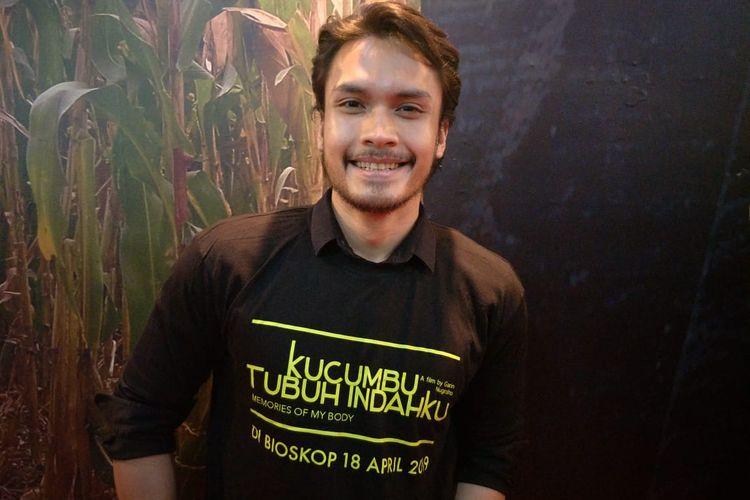 Randy Pangalila Dalam jumpa pers dan screening film Kucumbu Tubuh Indahku di XXI Plaza Indonesia, Thamrin, Jakarta Pusat, Senin (15/4/2019).