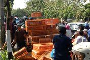 Aksi Saling Dorong Warnai Pembagian Ayam Gratis di Yogyakarta
