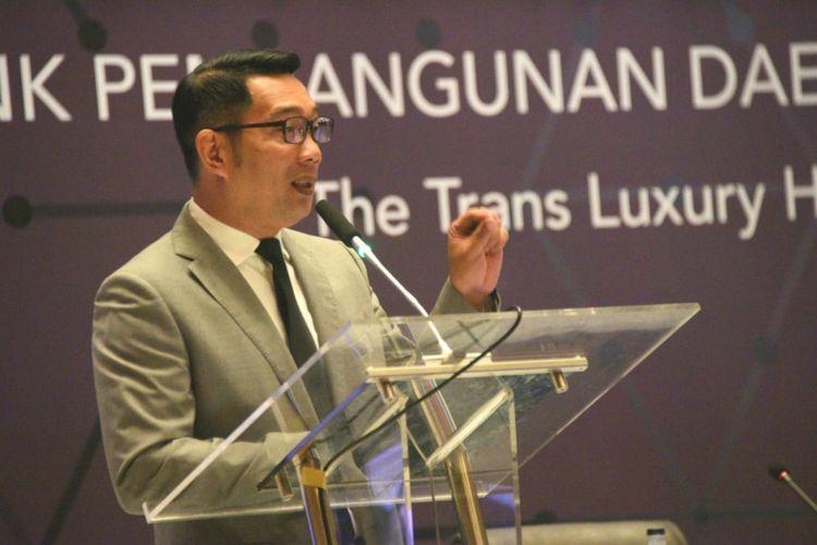Gubernur Jawa Barat Ridwan Kamil saat berbicara dalam RUPS Bank Jabar di The Trans Luxury Hotel, Bandung, Selasa (30/4/2019).
