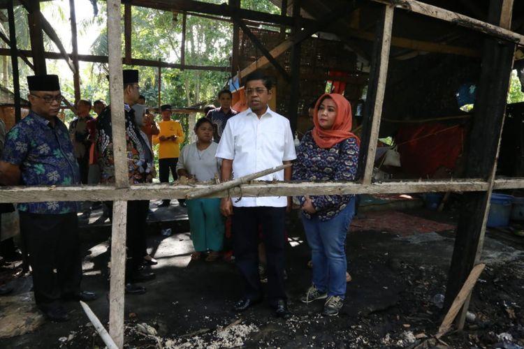 Jelang Lebaran, Mensos Santuni Korban Kebakaran di Pinrang