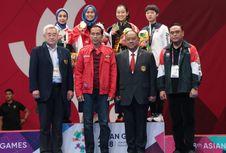 Nonton Asian Games, Jokowi Pakai Jaket Brand Lokal Seharga Rp 375.000