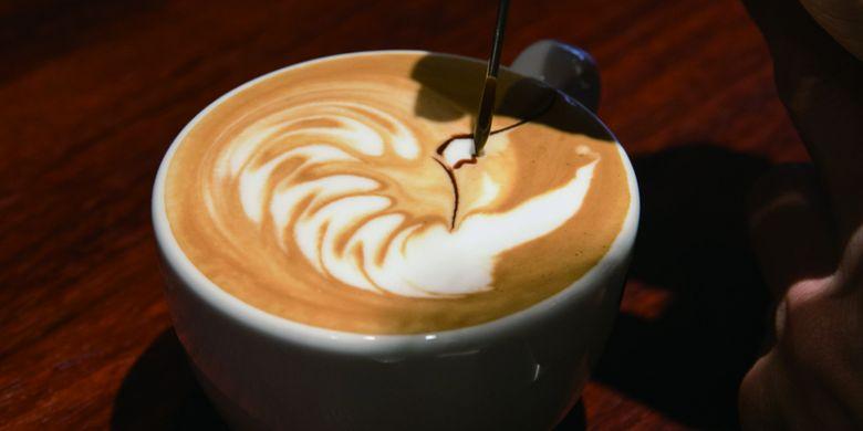 Di sini kita juga dapat memesan Latte Art Coffee, dan pola gunung Fuji sangat populer di antara wisatawan asing.