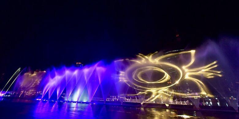 Air mancur menari di ICONSIAM, Bangkok.
