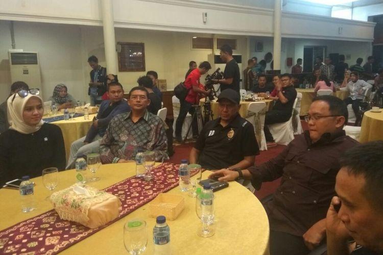 Rahmad Darmawan diperkenalkan sebagai pelatih baru Sriwijaya FC, di Kantor Gubernur Sumatera Selatan, Palembang, Jumat (24/11/2017).
