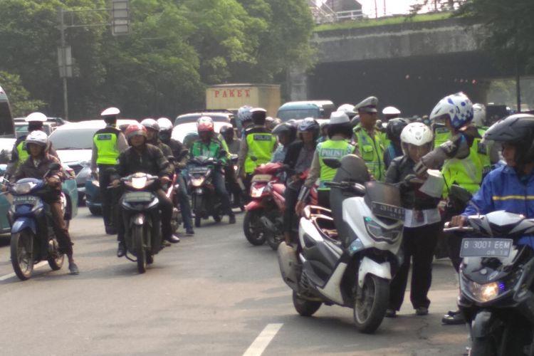 Operasi Patuh Jaya 2018 di DI Panjaitan, Jakarta Timur, Kamis (3/5/2018)