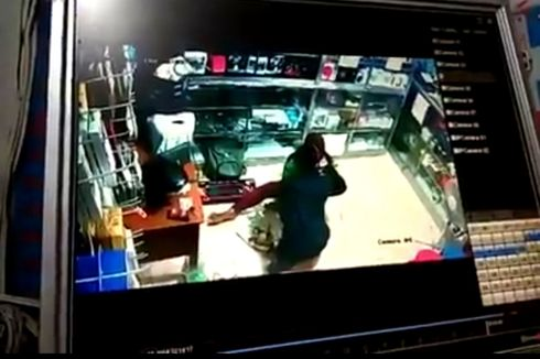 Viral, Video Pria Aniaya Pacarnya di Konter Ponsel Sidoarjo