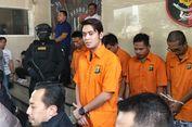 Jadi Tersangka, Kriss Hatta Terdunduk Kembali Pakai Baju Tahanan
