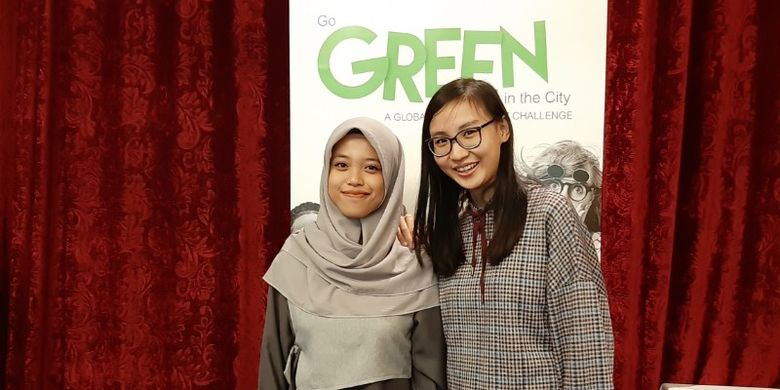 Aziza dan Jessica mahasiswi Fakultas Teknik Universitas Indonesia