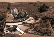 Robot Curiosity Kirim Foto 'Selfie' dari Mars