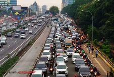 Ratusan Titik Macet di Jakarta Menunggu Solusi...