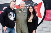 Pilot Jet Tempur Tertua Dunia Pensiun di Usia 66 Tahun
