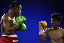 Daud Yordan Sabet Dua Gelar Usai Menang KO atas Petinju Rusia