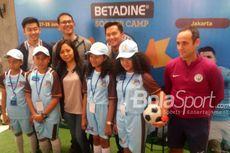 Tim Pelatih Man City Antusias Bagi Ilmu pada Betadine Soccer Camp