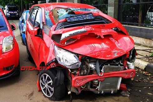 Mobil Wakil Ketua DPRD Gresik Kecelakaan di Rembang