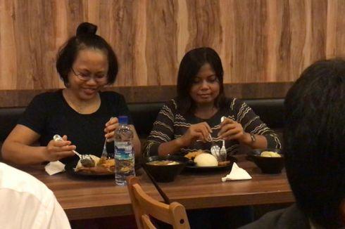 TKI di Singapura Ini Menangis Ditraktir Jokowi Makan Bebek Goreng...