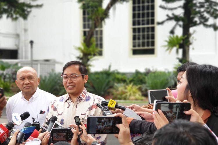 CEO Bukalapak Ahmad Zaky usai bertemu Presiden Jokowi di Istana Merdeka, Jakarta, Sabtu (16/2/2019).