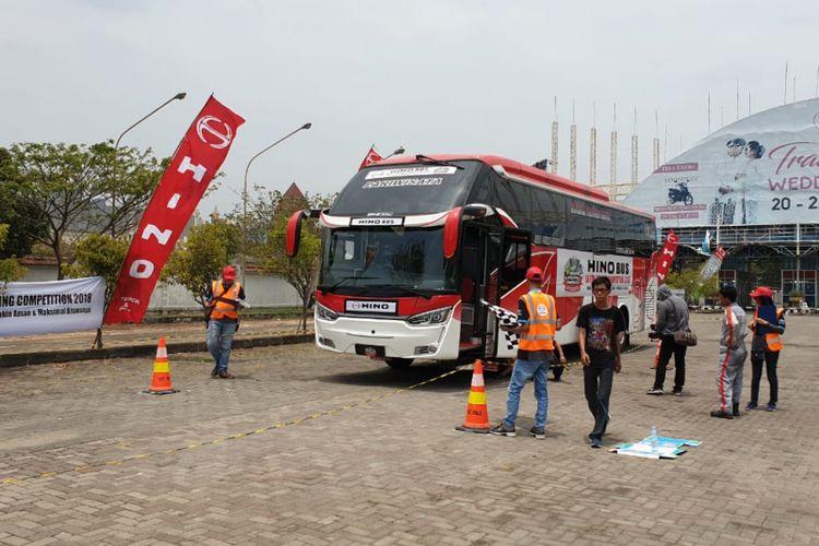 PT Hino Motors Sales Indonesia (HMSI) menggelar Hino Safety Driving Competition di kota Semarang, Kamis (20/9/2018)