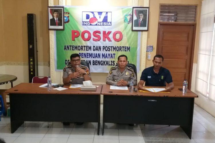 Keterangan pers disampaikan tim DVI dan Humas Polda Riau terkait proses identifikasi terhadap jenazah yang ditemukan di perairan Selat Malaka