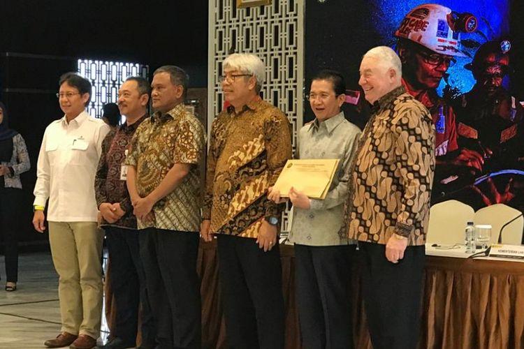 Konferensi pers soal divestasi PT Freeport Indonesia oleh Inalum di Jakarta, Jumat (21/12/2018).