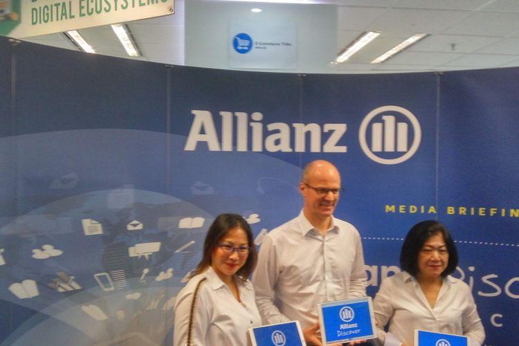 Manajemen PT Asuransi Allianz Life Indonesia (Allianz Life) saat si Jakarta, Selasa (12/2/2019).