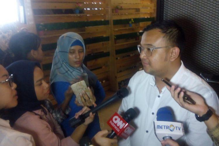 Ketua Bidang Ekonomi Digital Indonesia e-Commerce Association (idEA), Bima Lagamemberikan keterangan di KEDASI Event Space, Grha Niaga Thamrin, Jakarta, Selasa (12/2/2019).