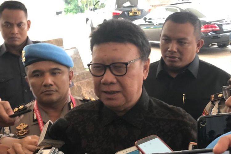 Menteri Dalam Negeri (Mendagri) Tjahjo Kumolo saat ditemui di Hotel Sultan, Jakarta, Senin (25/2/2019).