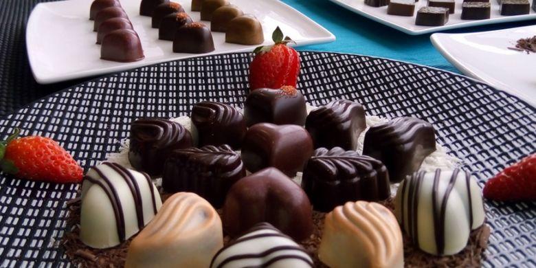 Minyak kelapa sawit bisa dibuat berbagai makanan olahan, termasuk cokelat buatan yang banyak dikonsumsi masyarakat.