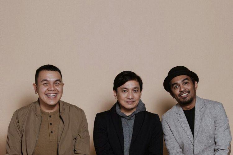 (dari kiri) Tulus, Yovie Widianto, dan Glenn Fredly membuat kolaborasi apik dengan lagu Adu Rayu.