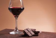 Berapa Batas Aman Konsumsi Wine?