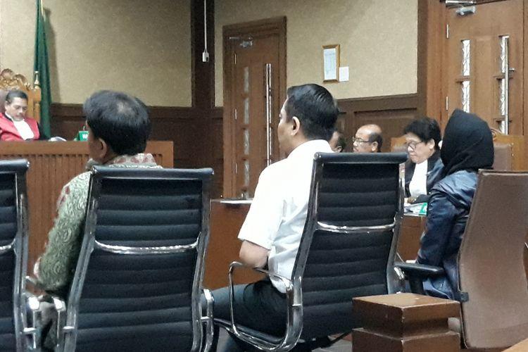 Aziz Syamsuddin, Fayakhun Andriadi dan Rita Widyasari bersaksi di Pengadilan Tipikor Jakarta, Selasa (2/10/2018).