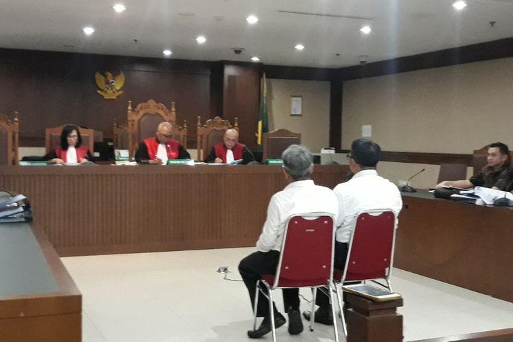 Jaksa Komisi Pemberantasan Korupsi (KPK) menghadirkan Direktur Jenderal Perimbangan Keuangan Kementerian Keuangan Astera Primanto Bhakti di Pengadilan Tindak Pidana Korupsi Jakarta, Senin (18/2/2019).