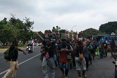 Usai Demo di Depan Istana, Mahasiswa Papua Konvoi ke LBH Jakarta