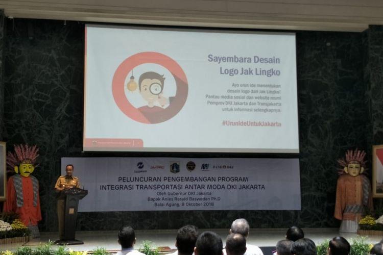 Gubernur DKI Jakarta Anies Baswedan mengumumkan sayembara desain logo Jak Lingko di Balai Kota DKI Jakarta, Jalan Medan Merdeka Selatan, Senin (8/10/2018).