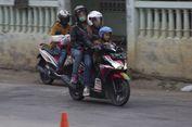 Bahaya, Jangan Bonceng Anak di Jok Depan Motor