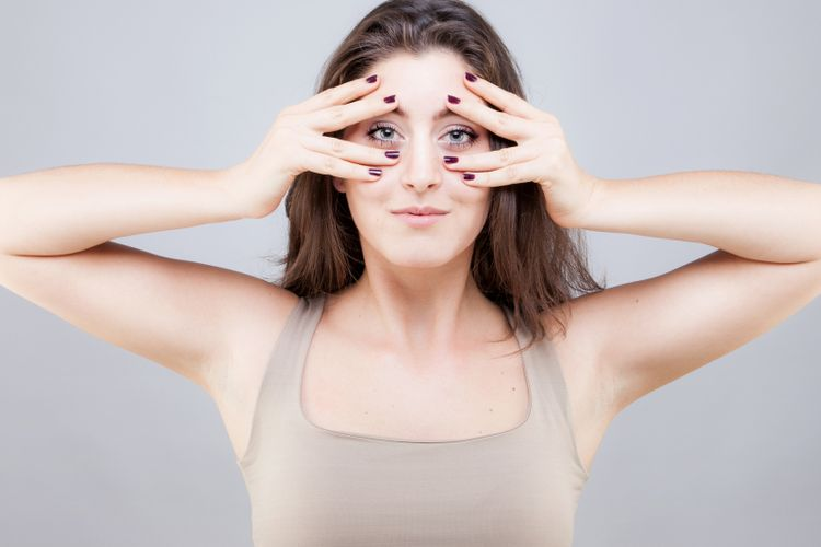 Yoga Wajah Membuat Wanita Awet Muda