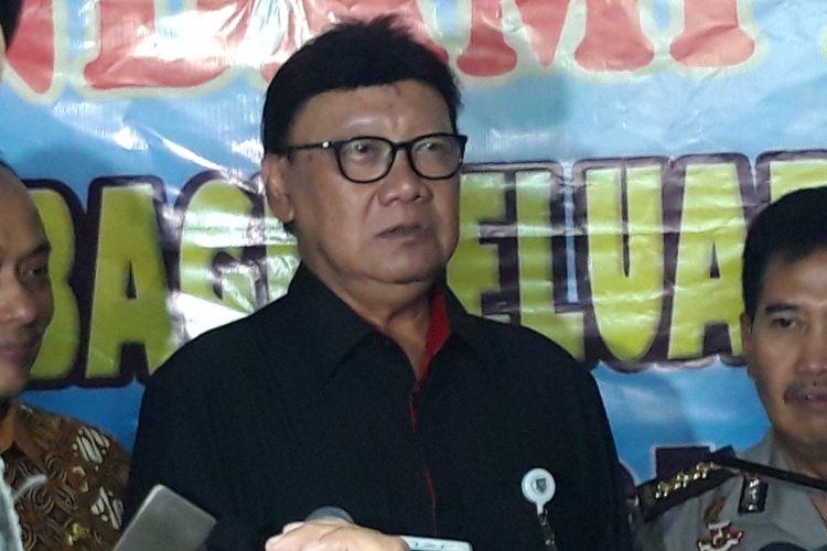 Mendagri Tjahjo Kumolo di RS Polri, Kramatjati, Jakarta Timur, Kamis (1/11/2018)