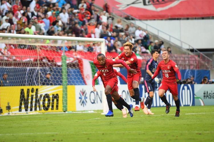 Pemain Kashima Antlers merayakan gol ke gawang Persepolis Persepolis dalam final leg 1 Liga Champions Asia di Stadion Kashima, Jepang, Sabtu (3/11/2018). Dalam laga tersebut, Kashima memang dengan skor 2-0.