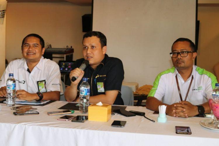 GM MOR VIII PT Pertamina (Persero) Iin Febrian memberikan keterangan pers, Kamis (6/12/2018).