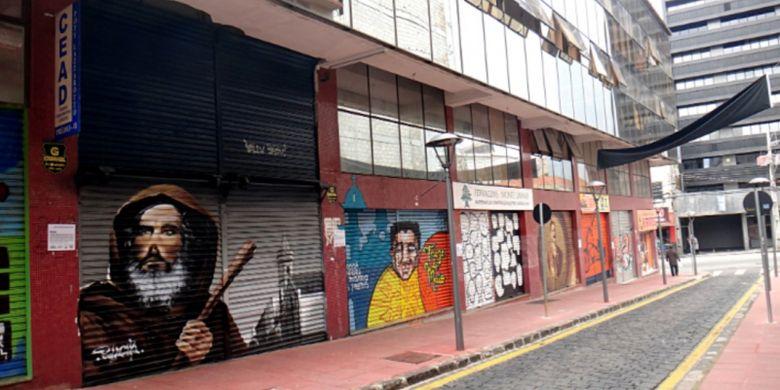 Graviti di Rua São Francisco.