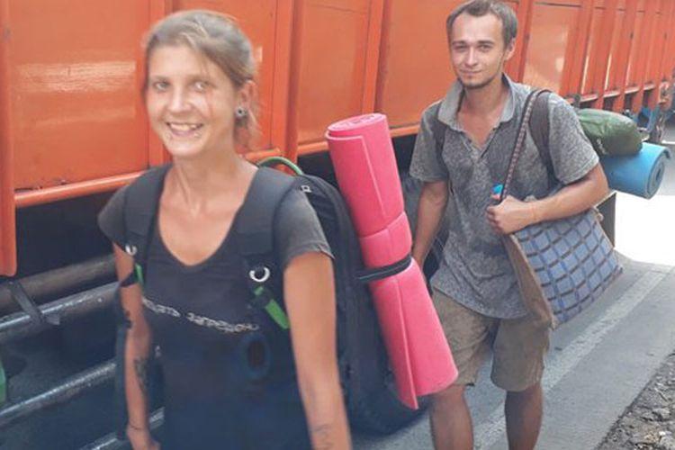 Turis Rusia Jalan Kaki ke Bogor - Pelabuhan Ratu, Warga 'Melongo'