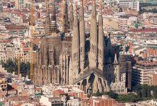 Setelah 137 Tahun, La Sagrada Familia Akhirnya Punya IMB