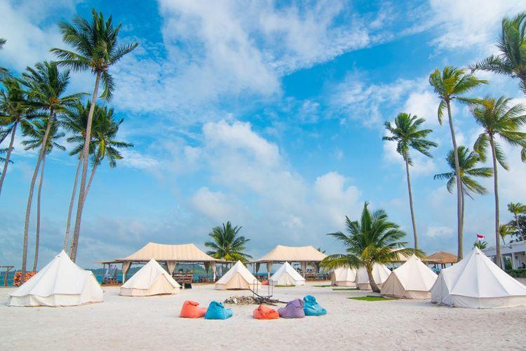 Berkemah Mewah di Pinggir Pantai Pulau Ranoh Batam, Serunya...