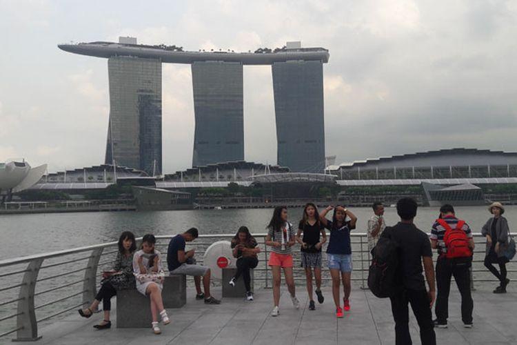 Menikmati sore hari di Singapura, Selasa (7/2/2017).